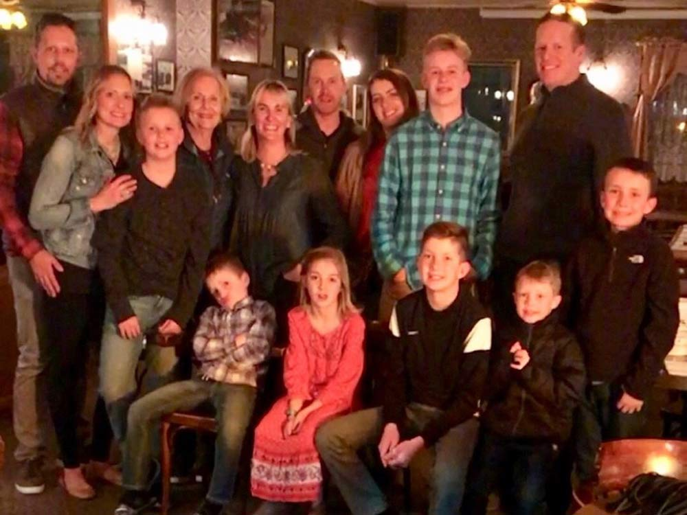 Laramie-guests-tracy-and-cebee-richardson,-brent-and-Molly-Vigen,-Nate-and-Lindsay-Hoyt-families-in-town-for-dinner-in-March
